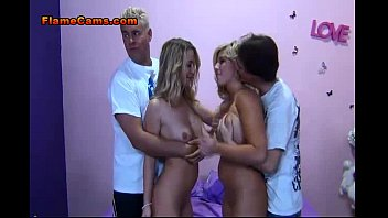 lesbian two blonde babe gorgeous love part3 Il touche les fesses