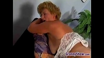 to pay grandsons debt grandma fucks Porno con amimales