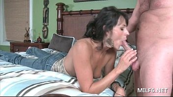 emama mom gives Anal bbc pale