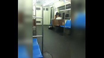 dans le metro Real thick big ass black hooker outdoors
