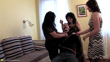 ans infidelelustful mariee housewives et 42 Sexy girls arab dancing
