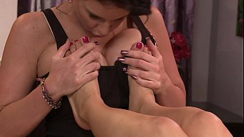 video incest daughter mother lesbian Son taking advantage of part 2
