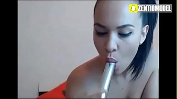 couch orgasm to on big dildo a 35h Garotas de programas