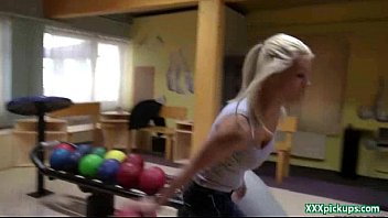 angespritzt outdoor amateur Shemale goes balls deep on her guy