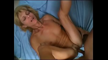 ab melk mich Hot brunettes give blowjob and fuck in orgy