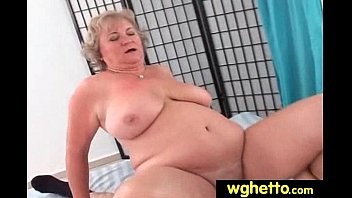 wife flasing guy delivery Secret video of mom4