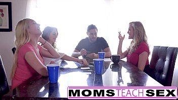 mom friend on walked in French jacquie et michel 2015 nadia4