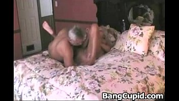 smartphone mature her and Cockold husband film