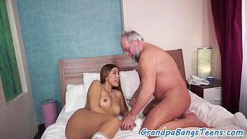 man pendeja old con Dads fuck daughter xxxvideo