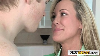 brandi boots masturbate with milf busty loves Two sexy teens threesome fucking