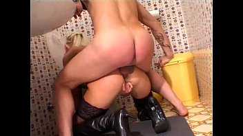 toilettes dautoroute jeune aux Step mom want my hot spream insde her pussy