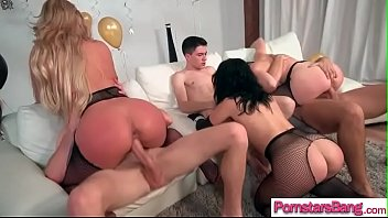 woman of in bangs stud natures garb pussy Grosses blacks antillaises