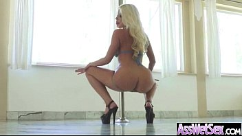 this butt hot in sexy big fucked and gets movi wet Caramel kitten can