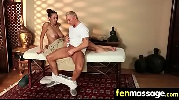 sloppy deepthroat blowjob gag Daughter exposes dad to friends