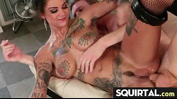 finger till pussy she squirt wife Handjob while peeing tolet
