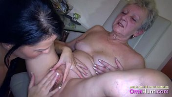 her makes in bathe pee slave mistress 100 real family incest video